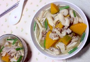 Mushroom soup with abalone and minced meat
